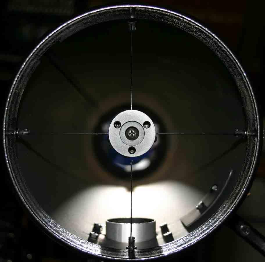 Spiegelteleskop newton mit 150mm öffnung auf einer parallaktischen